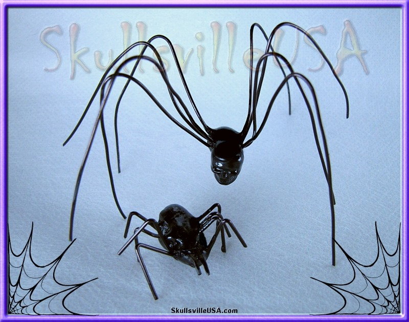 paracord and wire spider and bug